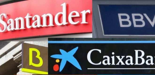 Los grandes bancos plantean la salida de 17.400 empleados mientras recuperan los bonus millonarios de sus cúpulas