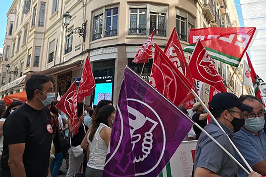 La segunda jornada de huelga en CaixaBank repite seguimiento del 90% en Andalucía